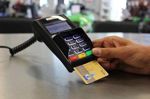 スマホ決済はどれがいい?PayPay、楽天Pay、LINE Payを徹底比較
