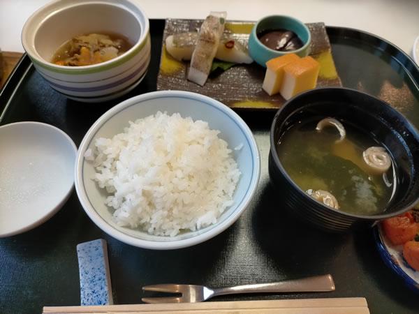 和食堂たてやまの朝定食