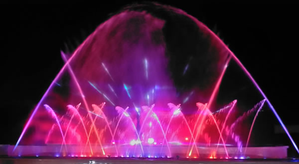 噴水ショー「ヴァルサイユの光」
